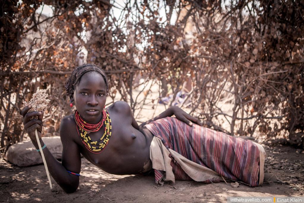 Порно с африканского девушками из племен фото 367-351